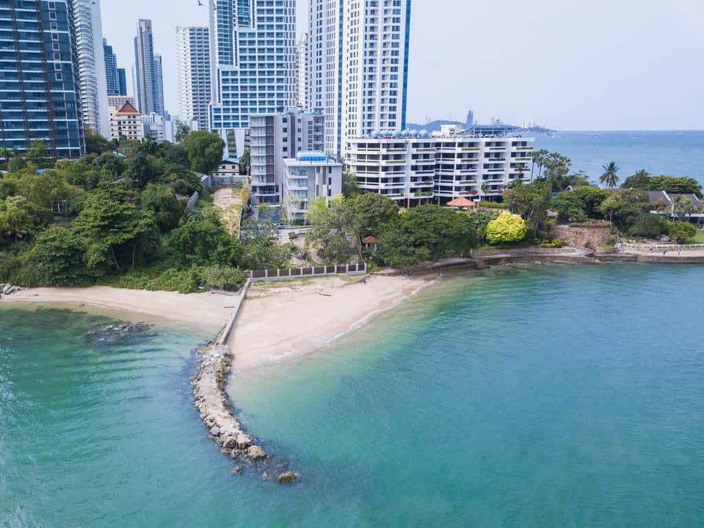 Golden Tulip Pattaya Beach Resort2