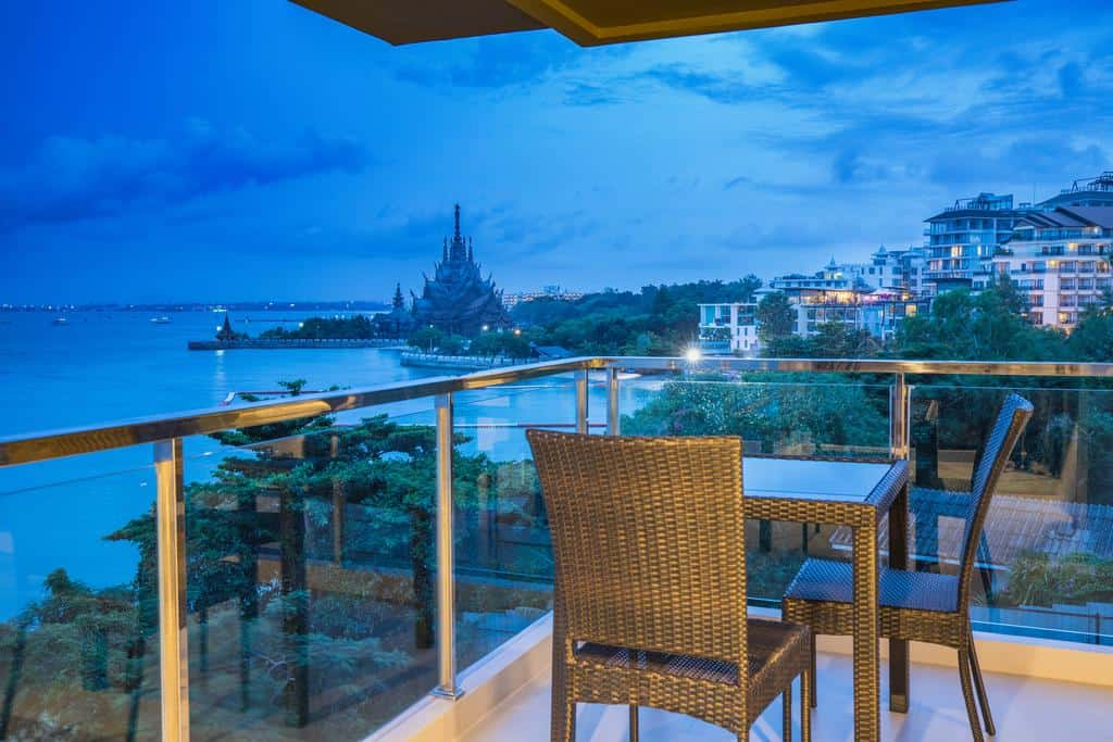 Golden Tulip Pattaya Beach Resort7