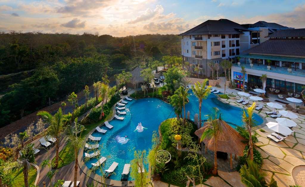 Royal Tulip Springhill Resort5